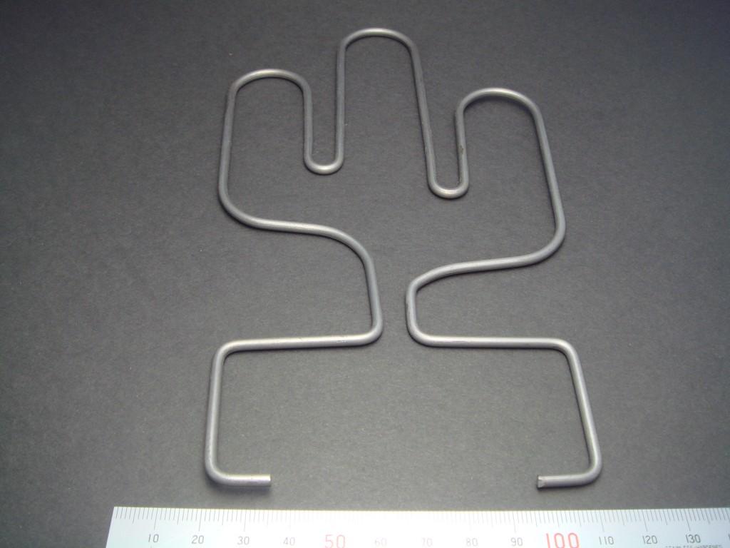 オブジェ(漢字の 「山」 形状)